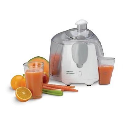 Black-Decker-JE1500-Fruit-and-Vegetable-Juicer-0
